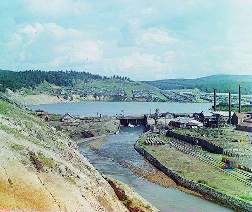 С.М.Прокудин-Горский. Катав-Ивановский завод. Заводской пруд и плотина. Лето 1910 года